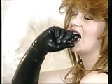 סקסית איכותית ומטורפת בזיונים עם בגדים מעור