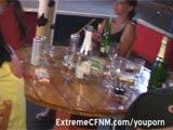 חשפנים חוגגים במסיבה עם לקוחות
