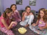 סרט סקס של לסביות במסיבה בבית